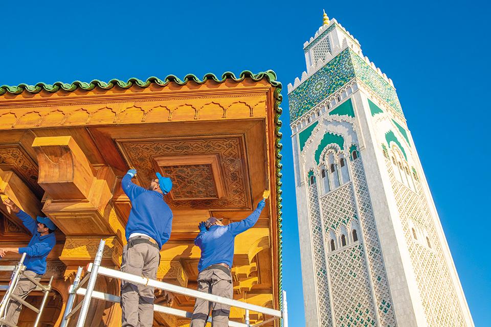 Renner vernici Moschea Hassan II, operai al lavoro